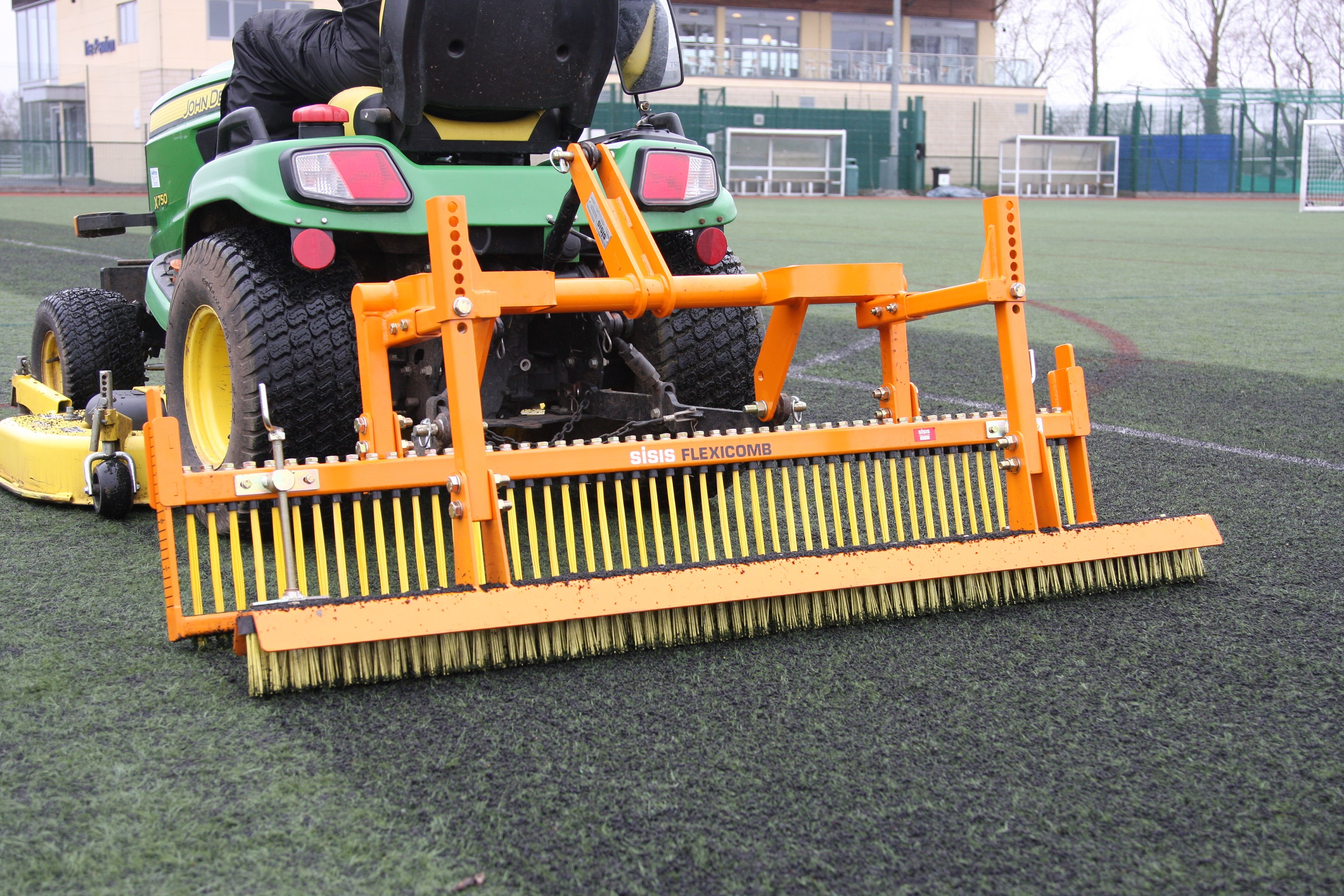 SISIS Flexicomb extends pitch life at UKC