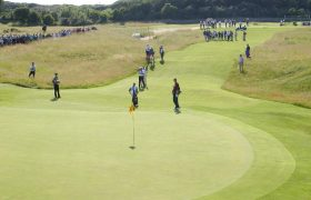 Golf traffic's impact on finer grasses